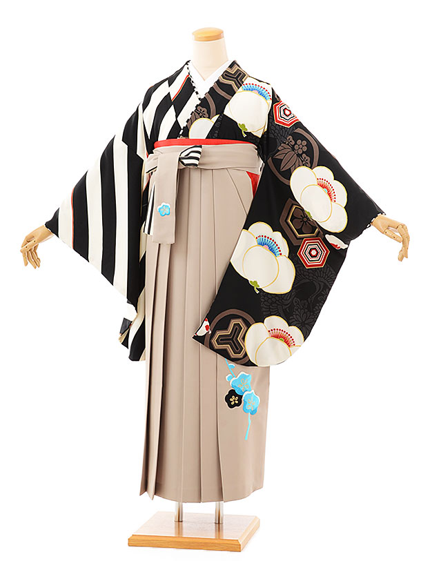 卒業袴レンタル h712 JAPANSTYLEx中村里砂 黒片身代わり梅xモカ袴