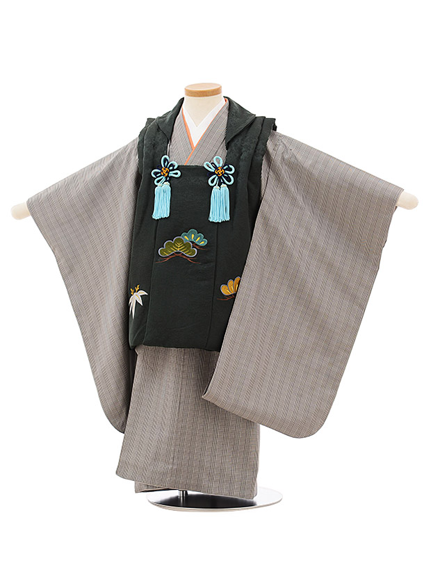 七五三(3歳男児被布)高級正絹2575濃グリーン刺繍松竹xグレンチェック大島紬