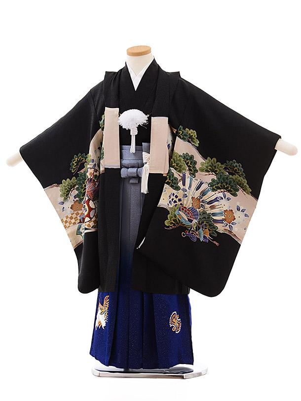 七五三(5.6歳男児袴)5445 (正絹) 黒地 松にかぶと×ブルー刺繍袴
