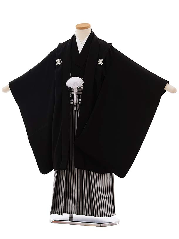 七五三(5歳男袴)5495 正絹 黒 紋服×黒白縞袴