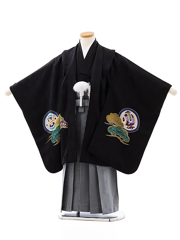 七五三レンタル(5歳男袴)(高級正絹)5862黒地松に鏡裏文様x紺縞袴