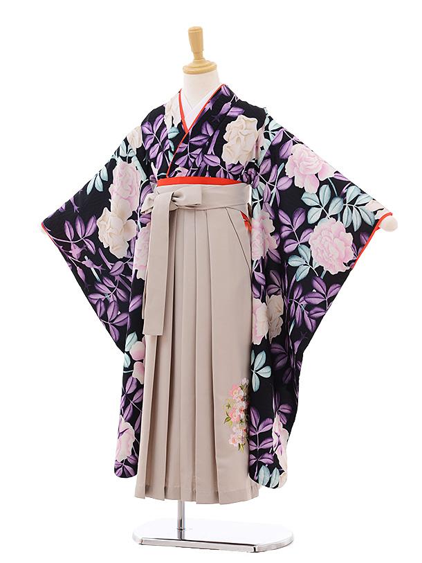 女児袴レンタル(7歳)7672黒バラ×ベージュ袴(着物のみ式部クラシック)